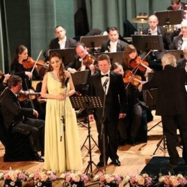 FOTO: Concert simfonic de Paști, la Palatul Culturii