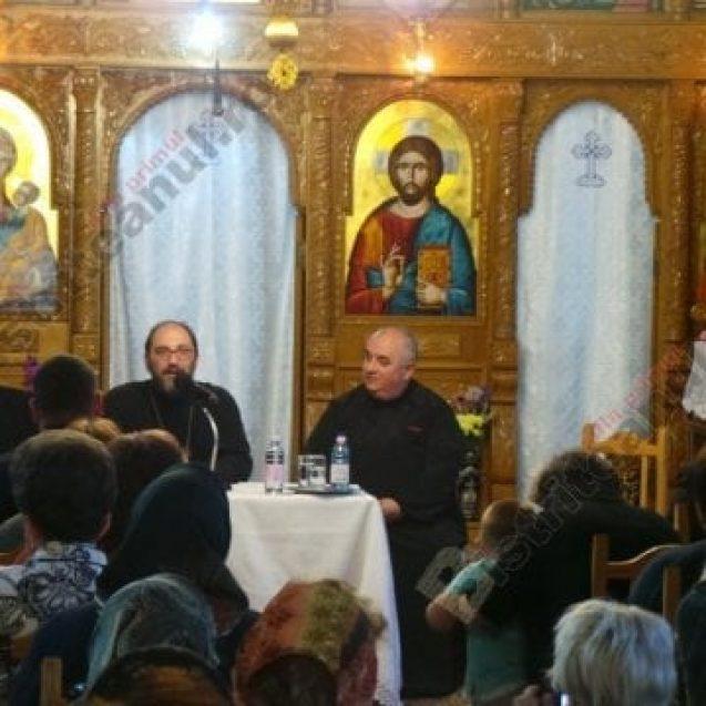 """FOTO/VIDEO: Preotul Constantin Necula, din nou la Bistrița: """"Îi doare în șpiț de Centenar…"""""""