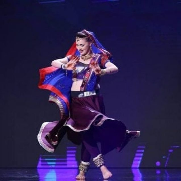 """VIDEO. A făcut imposibilul: Cu un dans indian, eleva de la CNAM a cucerit-o pe Mihaela Rădulescu la """"Românii au talent"""""""