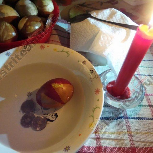 Rostul de dimineață:  Duminica de Paști, cu ouă nu tocmai roșii…
