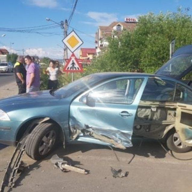 FOTO- Carambol cu trei mașini pe Calea Moldovei!