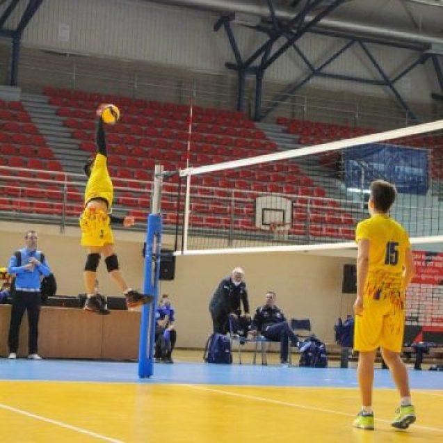 Ionuț Rebrișorean, singurul elev pasionat de volei din LPS Bistrița, convocat în lotul național de juniori!