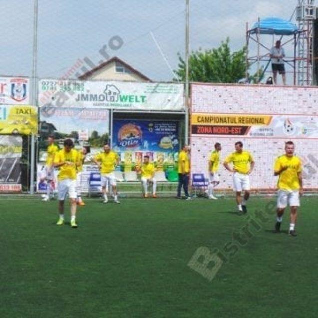 FOTO:  Atmosferă incendiară, la Campionatul Regional de minifotbal. Cum s-au descurcat bistrițenii