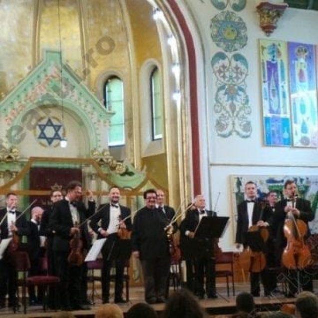 FOTO/VIDEO: Una dintre primele 10 orchestre de cameră ale lumii, într-un concert emoționant, la Bistrița