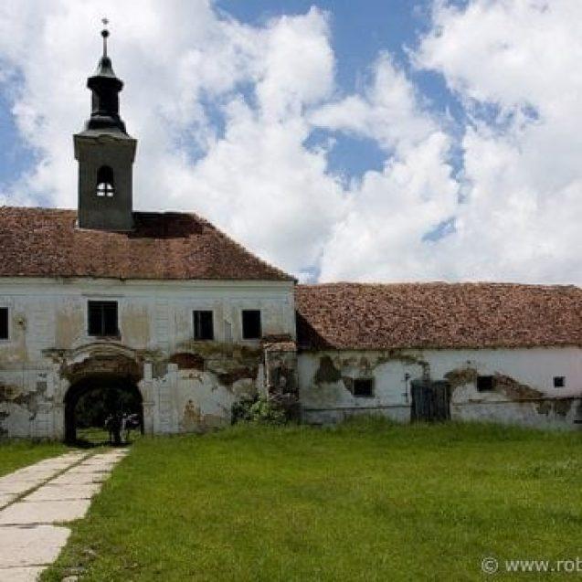 Spectaculosul castel de la Posmuș va fi ca nou cel mai devreme în 2021