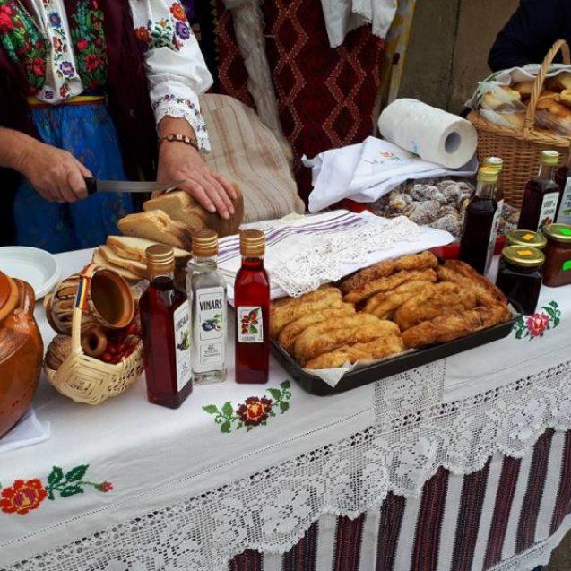 Brânza frământată de Sîngeorz-Băi şi cârnaţii din Poiana Ilvei sunt gata să cucerească lumea!