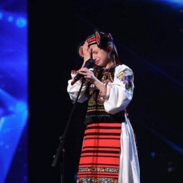 """VIDEO: Fetița de 10 ani din Sîngeorz-Băi a izbucnit în plâns, pe scenă la """"Românii au talent"""""""