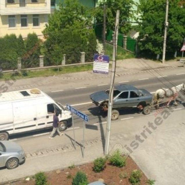 """""""Caravana"""" cu căruțe și caroserii, vânată de Poliția Rutieră"""