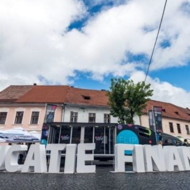 VIDEO:  Școala de bani pe Roți, la Bistrița!