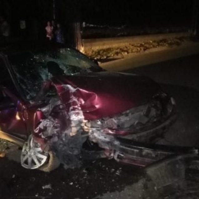 FOTO: Beat la volan, și-a băgat prietenii in spital. Și asta nu e tot: