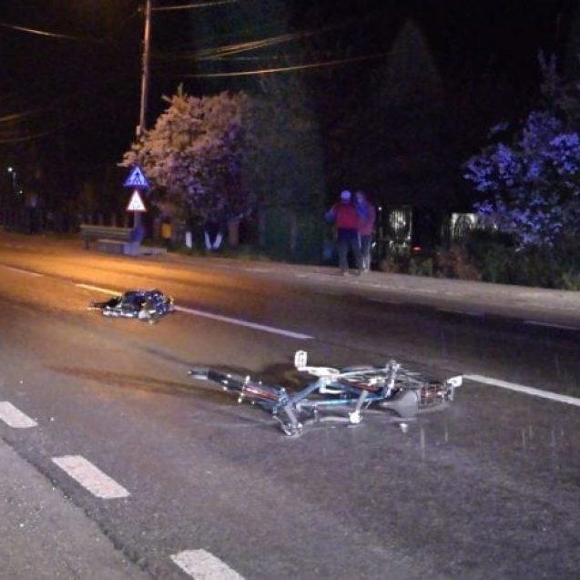 FOTO/VIDEO – Un biciclist a murit, după ce a fost lovit de o mașină condusă de un polițist băut
