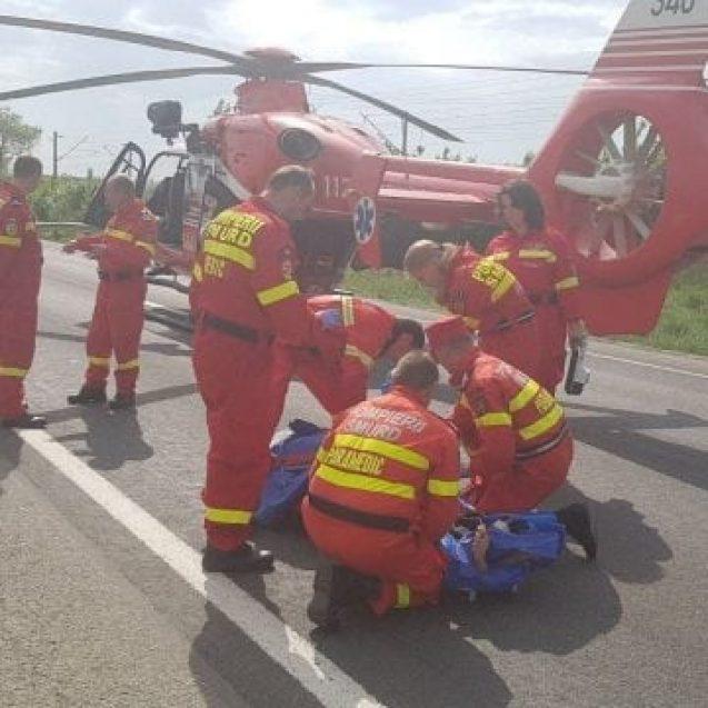 Un adolescent s-a tăiat cu o motocoasă.  A fost solicitat un elicopter SMURD