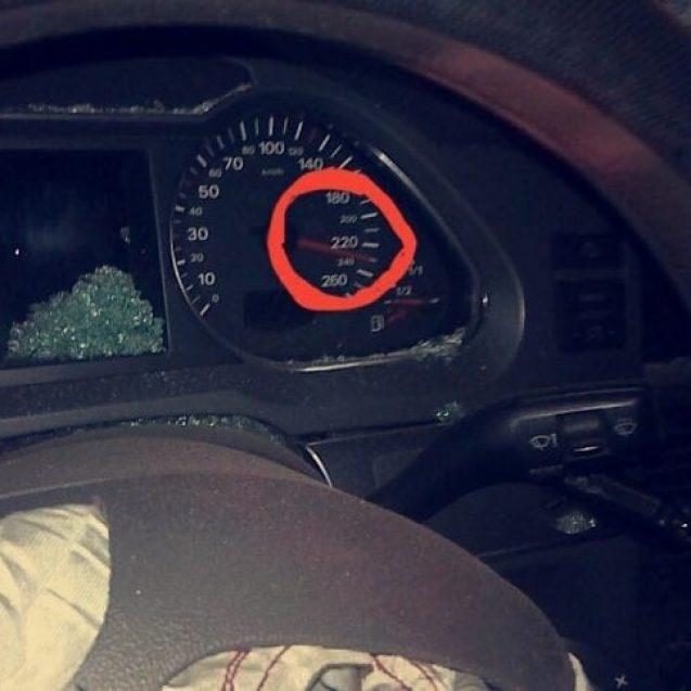 (FOTO/VIDEO) NĂSĂUD: Și-a făcut mașina zob! Indicatorul s-a oprit la 230 km/h