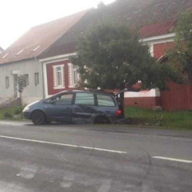 FOTO – Accident rutier în Livezile! Două copile au fost rănite