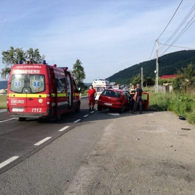 FOTO/VIDEO – Grav accident de circulație în Viișoara. Un copil de 9 ani este în comă