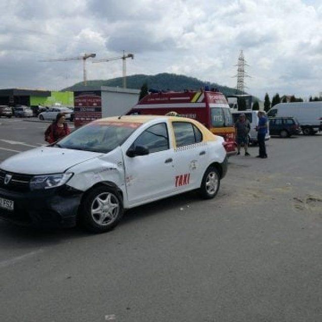 FOTO/VIDEO: Accident cu o victimă, în parcare la Kaufland