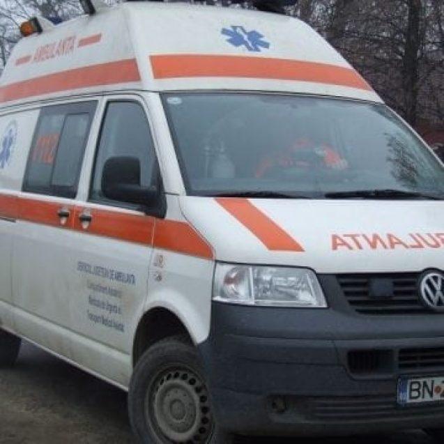 NĂSĂUD: A ajuns la spital după ce a căzut din căruță și s-a lovit la cap