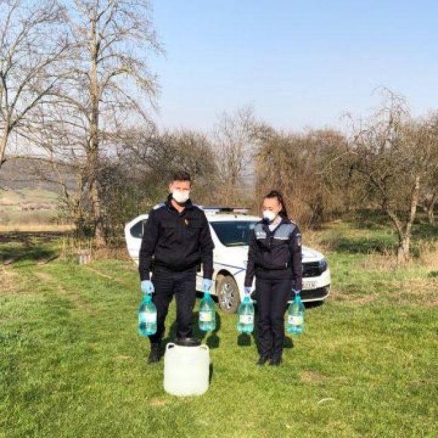 Jandarmii împart și… apă și ciocolată! NU doar amenzi!