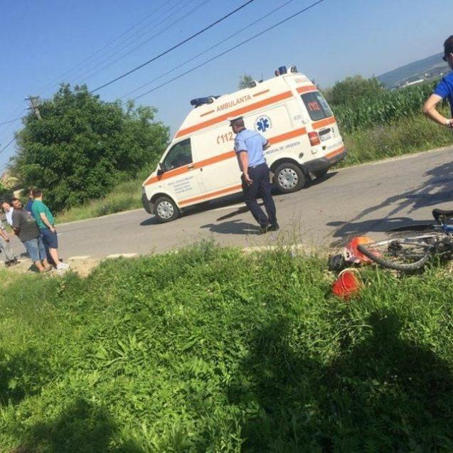 FOTO – Un biciclist băut bine a fost lovit de mașină în Braniștea!