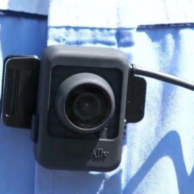 Camere de filmat… la pieptul polițiștilor!