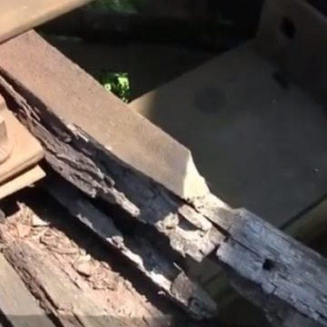VIDEO – JALNIC! Cum arată podul feroviar de la Beclean? Trenurile au nevoie de două minute pentru a face 100 de metri