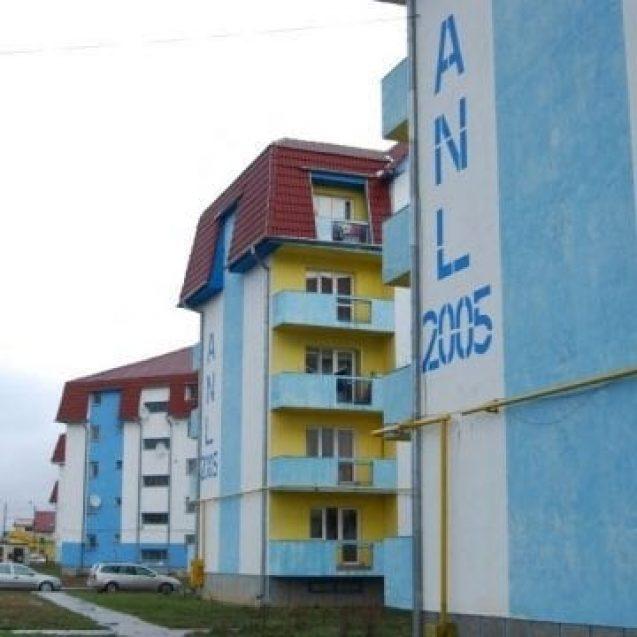 Peste trei sute de bistrițeni așteaptă locuințe ANL
