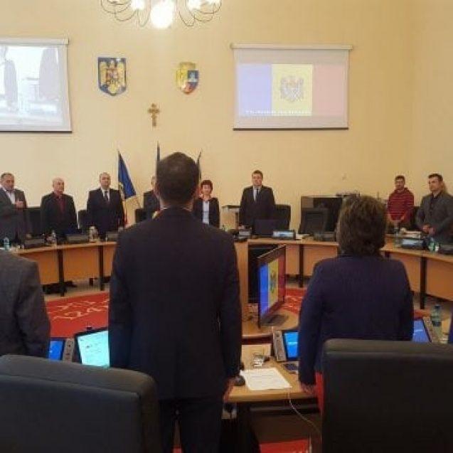 Cuvinte mari în Consiliul Local Bistrița! S-a intonat imnul Republicii Moldova
