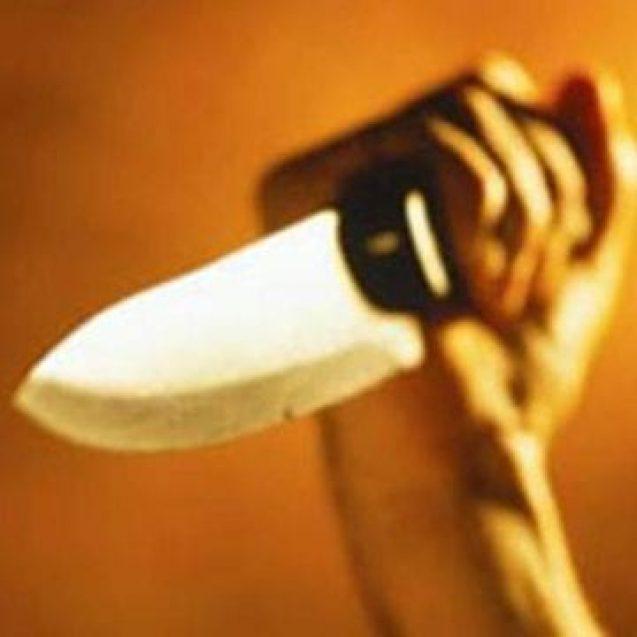 Medic lovit cu cuțitul, de soție, sub ochii copiilor