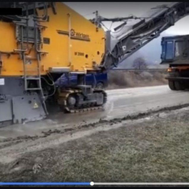 VIDEO: Au început lucrările pentru asfaltarea DN17D! Urmează și DN17C!