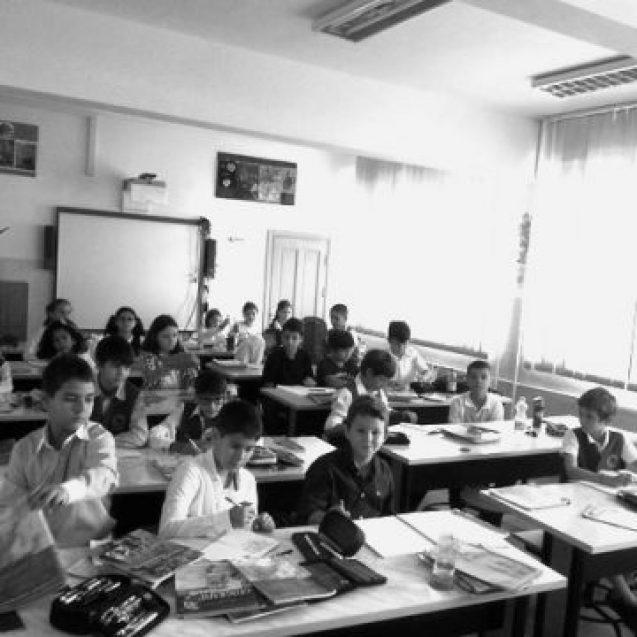Educație: Schimbări și abrambureli pe bandă rulantă…!