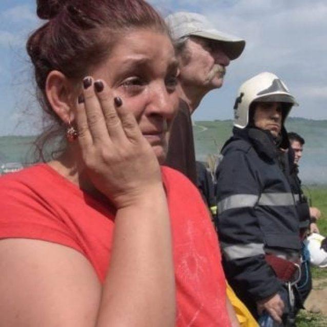 Ajutăm?! O familie din Jelna cu 5 copii minori are nevoie de noi, după ce a rămas fără un acoperiș deasupra capului