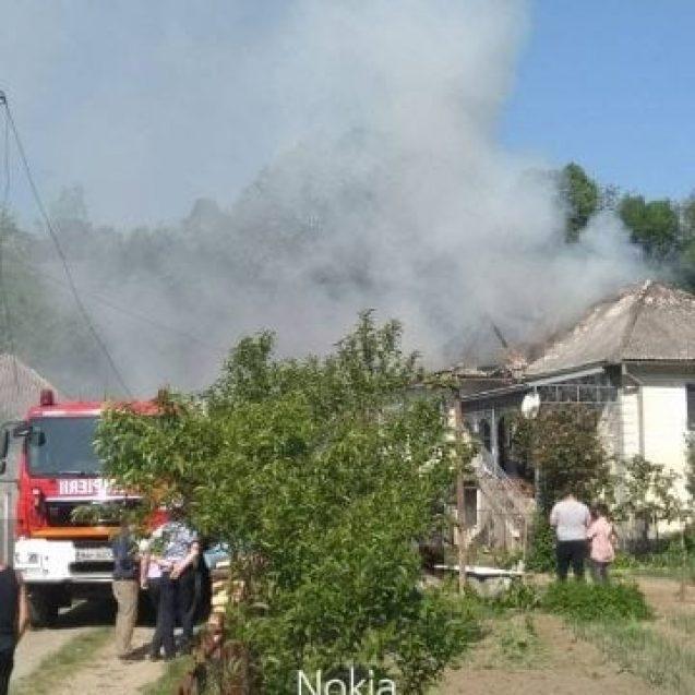 FOTO – Incendiu la o casă din Dobric! Proprietara a ajuns la spital