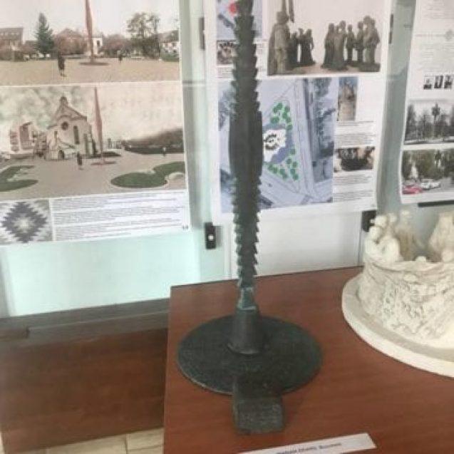 """Un """"fierăstrău"""" pentru Unire! Cum arată statuia propusă pentru Piața Unirii"""
