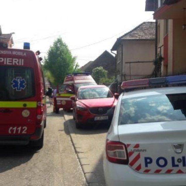 FOTO/VIDEO BISTRIȚA: Tânăr înjunghiat sub ochii fiului de 9 ani