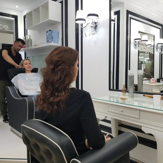 Jamal Daraghmeh, iordanianul care face bucle senzaționale bistrițencelor la Carolyne Beauty Center