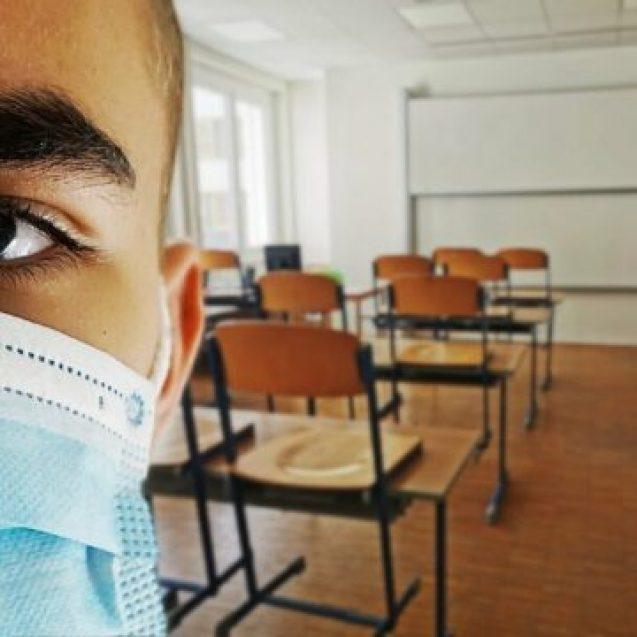 60 de școli și grădinițe din Bistrița-Năsăud funcționează în Scenariul 2