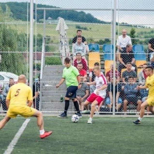 Fotbal pe pâine, la Bistriţa! Începe Campionatul Regional N-E la minifotbal