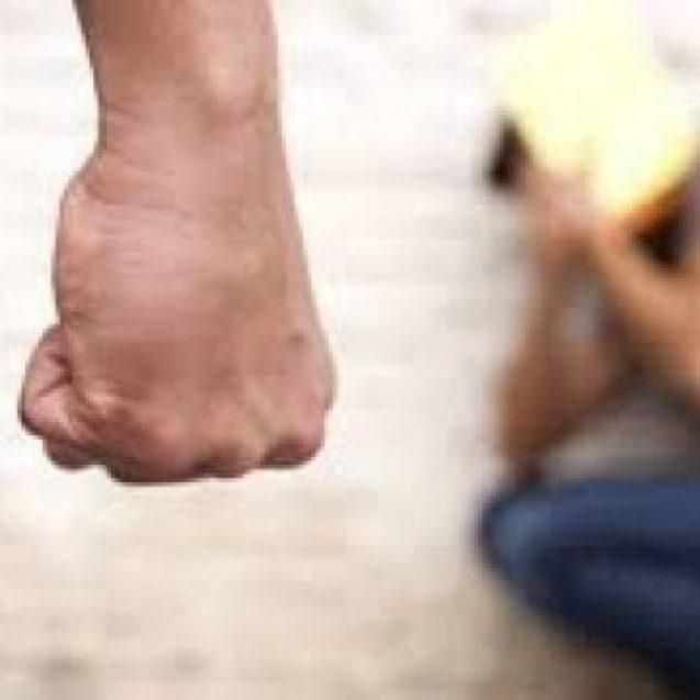Minor din Beudiu, lovit și umilit de un afacerist din Franța pentru că i-a dezvirginat fata minoră