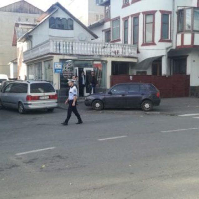 FOTO – Năsăudului: Un șofer beat a lovit o femeie, care traversa strada