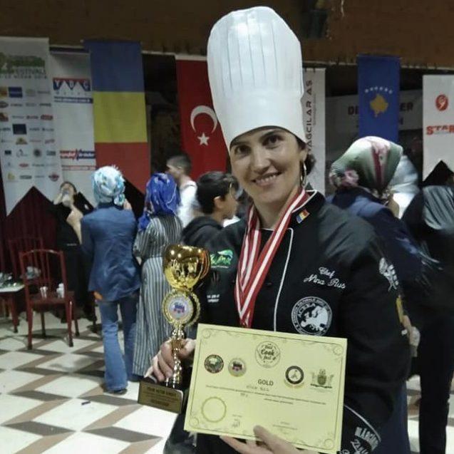"""FOTO: Preparetele Ninei au cucerit trei medalii de aur la Izmir! """"Au mâncat turcii, pe rupte!"""""""