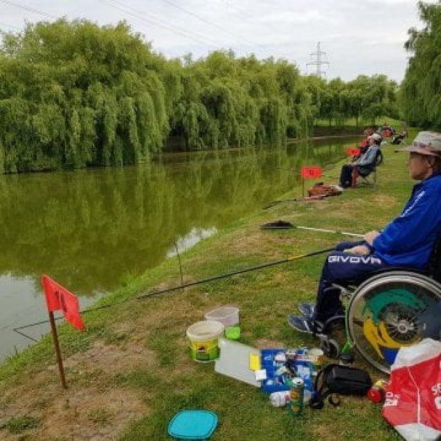 """FOTO/VIDEO: Oameni din tot județul la """"Cupa Handicap la Pescuit"""". Vezi cine a prins captura cea mare!"""