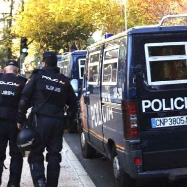DE NECREZUT! Un bistrițean și-a sechestrat iubita și bebelușii, aproape un an, în Spania