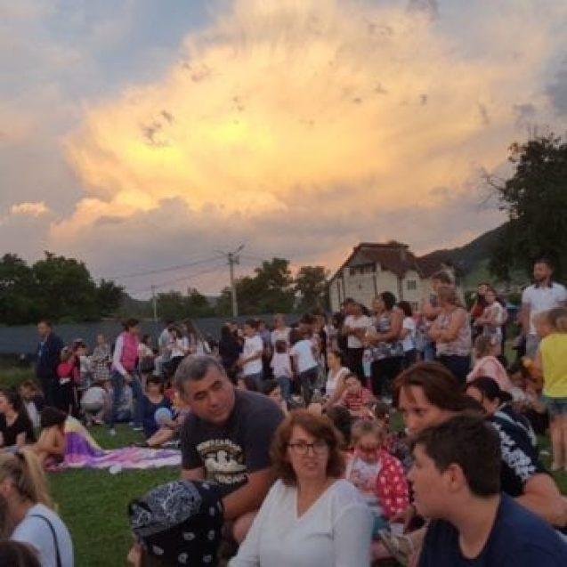 FOTO: Leapșa, baloane, stele și strigăte de copii! POV21, eveniment de succes la Năsăud