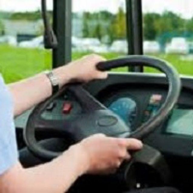 ALDE vrea tineri de 18 ani în transportul public