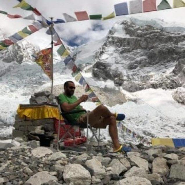 Tibi Ușeriu a terminat cursa nemiloasă de pe Everest. Bistrițeanul n-a reușit să fie mai rapid decât nepalezii