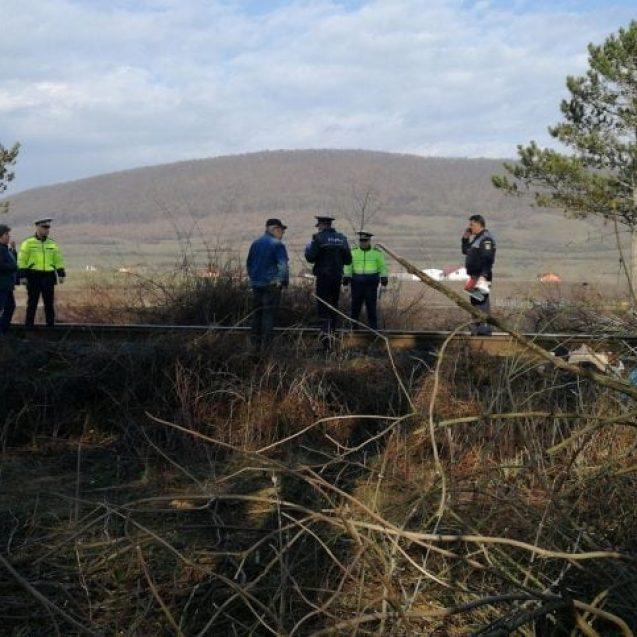 FOTO/VIDEO – Tragedie în Șieu-Sfântu! Un elev de liceu a fost găsit mort lângă calea ferată