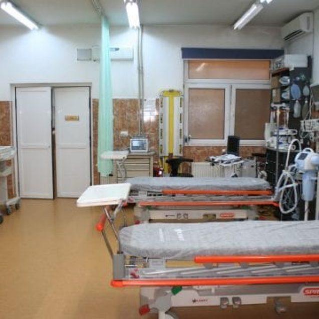 Bistrițenii care ajung la Urgențe vor fi consultați într-o magazie! Soluția găsită de conducerea spitalului pentru perioada de modernizare a UPU-SMURD