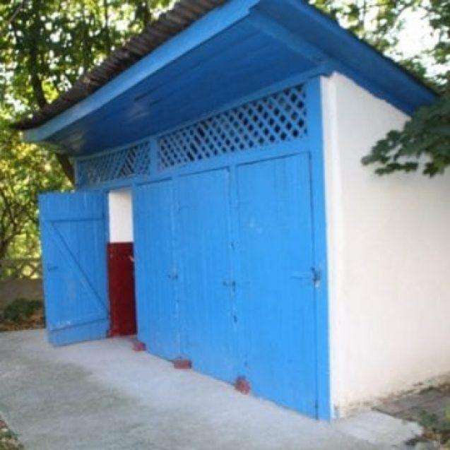 Situația REALĂ a școlilor din Bistrița-Năsăud cu wc-uri în curte
