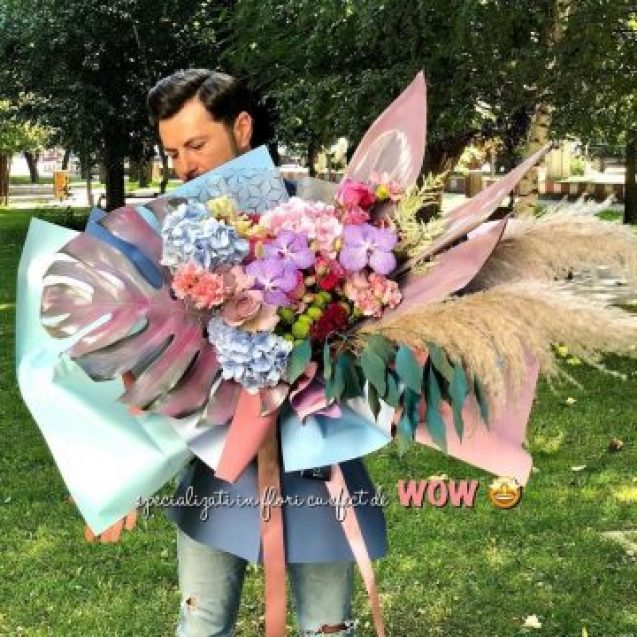 Andrei Bindea, tipul care face buchete de flori cu efect de…WOW